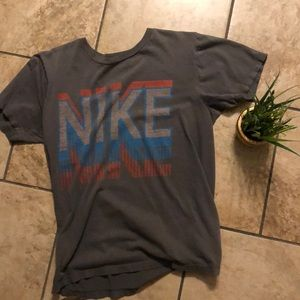 Nike t shirt vintage style small